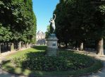 Statue and distant palace by EUtouring