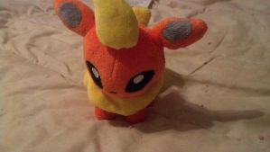 Flareon Plushie by leafyloo