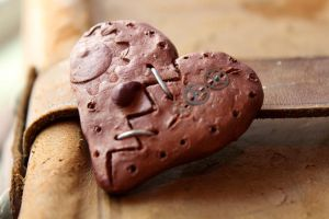 Steampunk Broken Heart by medievalfaery