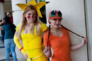 pikachu_and_charmander_2_by_insane_pencil-d4jsusx.jpg