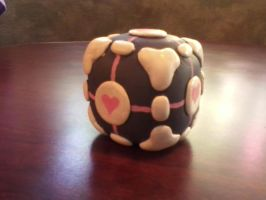 Companion Cube by CautiousRedLips
