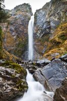 Devil's Punch Bowl Waterfall by Niv24