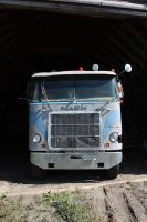 Old Mack Farmtruck front by Wolfje1975