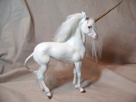 'Svelte' ooak unicorn by AmandaKathryn