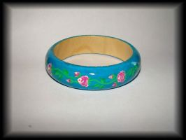 Turquoise wood bracelet whith rose by jasmin7
