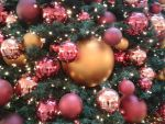 Life in the Christmas bauble by HeidiK1