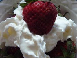 Strawberry Brakefast by LW-Lucy