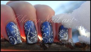 Nail art flocons de neige by cherrynailart