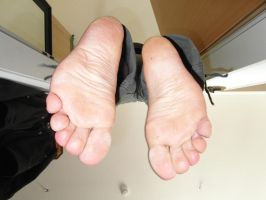 Dead feet after being hanged by mrsection