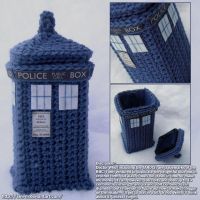 Crocheted Tardis Box by Sini-M