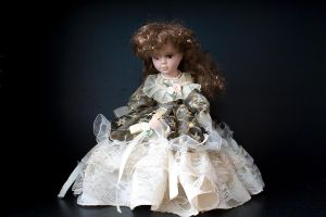 Doll has a heart too, maybe.. by Arichy