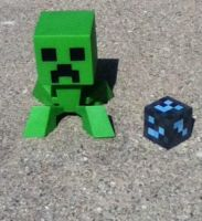Creeper vinyl and diamond ore block by HispanicOrca