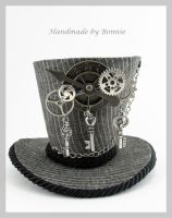 Seampunk Grey Tiny Top Hat by MiniTopHat