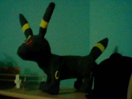 Papierumbreon by DawnDP
