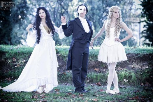 Phantom of the Opera cosplay group by Cospoison