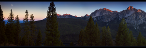 Sawtooth Range Pano by narmansk8