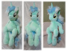 Sitting Lyra plushie by Rens-twin