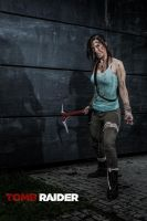 Lara Croft: Come near... by Fangx3