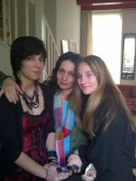 just a pic with my mother and sis by evami