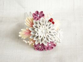 Frosty Winter Morning Kanzashi by elblack