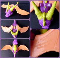 ( Spyro the Dragon ) Wendy's Flapping Wings Toy by KrazyKari