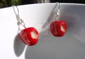 IOU Apple Earrings by geeekalicious