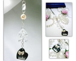 Romantic Piano Keychain by hellohappycrafts