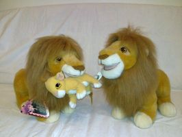 Lion King Mufasa and Simba cub by Frieda15