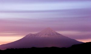 Mount Egmont by lomatic