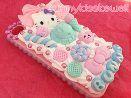 iPhone 4/4s decoden Bunny case by bunnykisskawaii