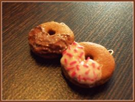 donut charms by mintyy