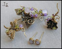 Spring in the Mirkwood set of ear cuffs and studs by JSjewelry