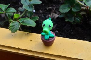 Plants vs Zombies Peashooter by CraftDragons