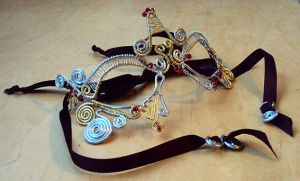 masked ball mask by Ermelyn