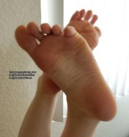 Soles and Flexed Toes by NattyToes