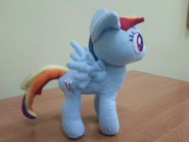 Rainbow Dash Plush by NekoRushi
