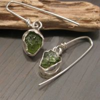 Natural Peridot earrings by Jealousydesign
