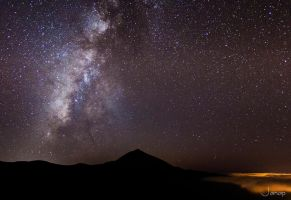 Milky way over Teide by janapka