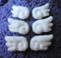 Chibi felt angel wing hair clips by pookat