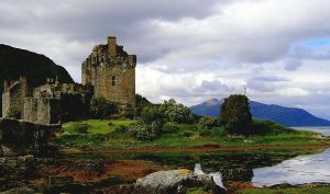 Donan Castle Scotland by Mittelfranke