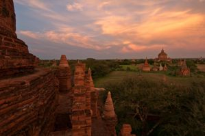 Sunset Bagan by SantiBilly