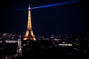 Paris la nuit by laufiend