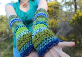 Crochet Arm Warmers by Faeriegem