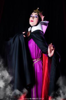 Evil Queen Grimilde: Her Majesty by Bewitchedrune