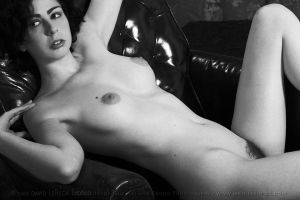 Theda, Nude Portrait 581Mono by photoscot