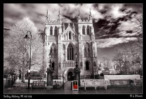 Selby Abbey IR rld 09 by richardldixon
