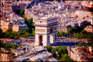 Tiltshift Arc the triomphe by Relderson