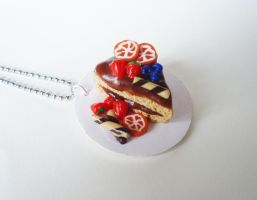 Cake plate necklace by FrozenNote