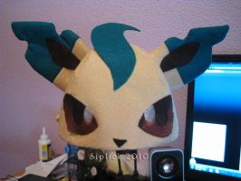 Leafeon hat by Siplick
