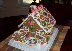 ShadO's Gingerbread House by ShadOBabe